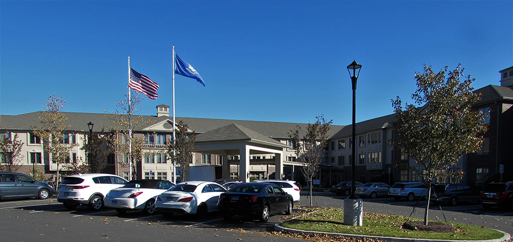 /portfolio/Apartments - Housing/Chatfield Assisted Living/front view tighter_1024px_thumb.jpg